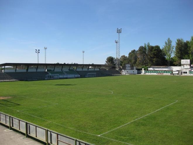NOMBRE  Estadio Municipal De Montilla  SUPERFICIE  Césped Artificial c7672e7cabdc9