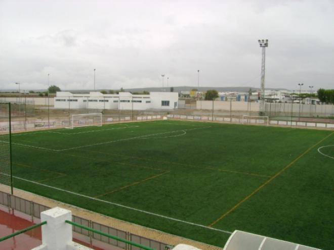 NOMBRE  Polideportivo Municipal  SUPERFICIE  Césped Artificial 4ebb08586a48a